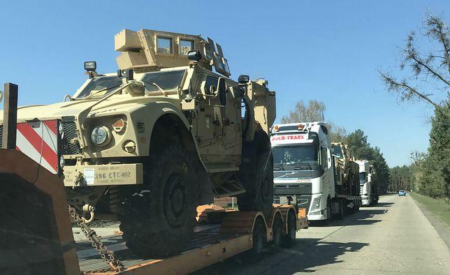Do Powidza przyjeżdżają konwoje ze sprzętem wojskowym