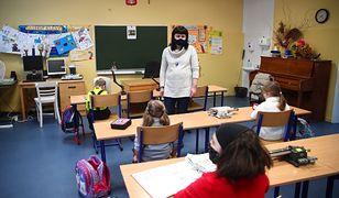 Wraca zdalne nauczanie dla klas I-III w całej Polsce