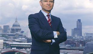 Jeffrey Howard Archer, baron Archer Weston-super-Mare. Tytuł szlachecki otrzymał w 1992 r.