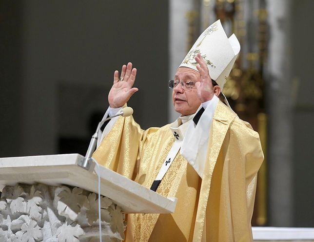Archidiecezja Łódzka, kierowana przez abp. Grzegorza Rysia zmaga się oskarżeniami o dyktowanie wysokich cen. Sprawę wyjaśnia UOKIK.