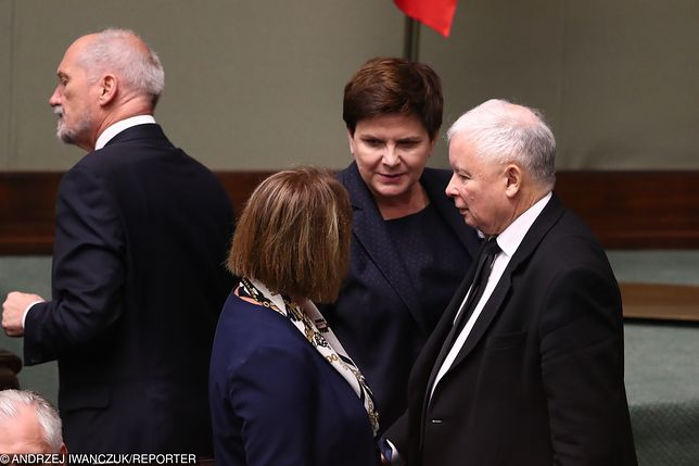 Antoni Macierewicz, Beata Mazurek, Beata Szydło i Jarosław Kaczyński