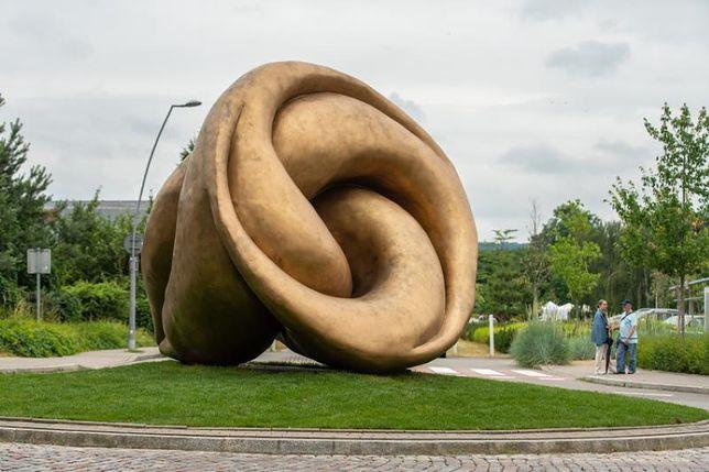 """Rzeźba """"Echo"""" stanęła w Sopocie"""