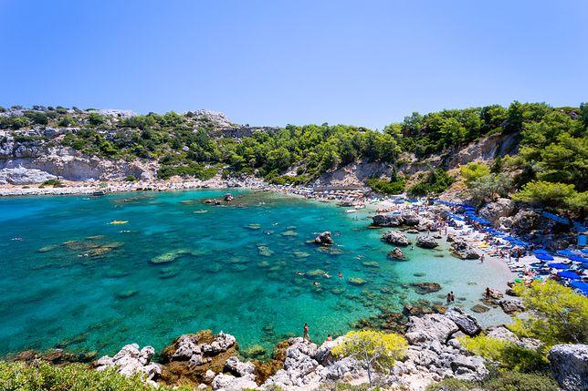 Greckie wyspy kuszą turkusową wodą