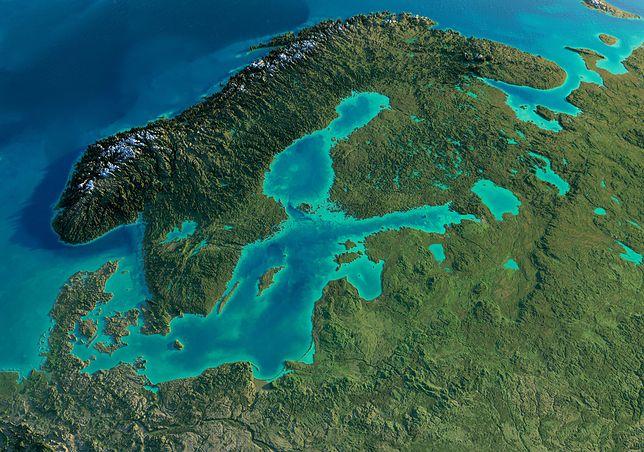 Bałtyk nazywany jest morzem śródlądowym północnej Europy. Ze wszystkich stron jest otoczony lądem, a z Morzem Północnym łączy go jedynie kilka płytkich cieśnin