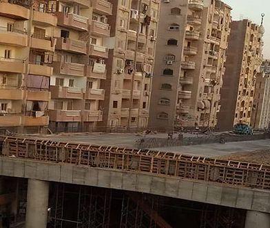 Autostrada między budynkami. Rząd Egiptu: powstaje zgodnie z przepisami