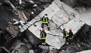 Akcja ratownicza w Genui trwa. Pod gruzami w zmiażdżonych samochodach, wciąż mogą znajdować się ludzie