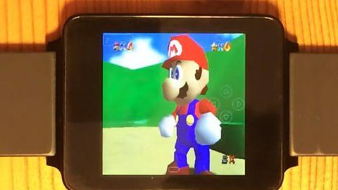 Na smartzegarku możemy pograć w produkcje z Nintendo 64 i PSP
