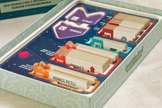 wnętrze pudełka Scottie Go! Labirynt