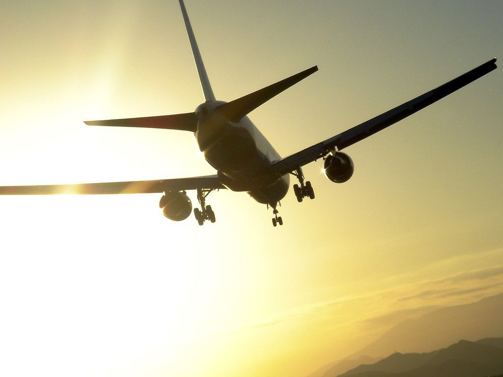 OLT Express skasuje niektóre loty krajowe?