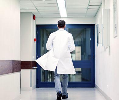 23-latek podawał się za radiologa