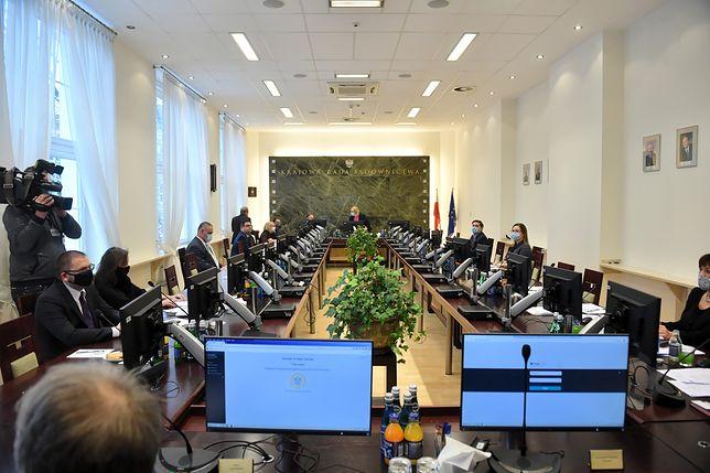 KRS zdecyduje o awansach Macieja Nawackiego i Łukasza Piebiaka do NSA.