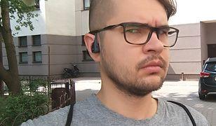 Słuchawki w trakcie użytkowania.