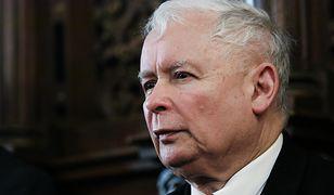 Polacy uważają, że nie należy nakłaniać Kaczyńskiego do odejścia z polityki