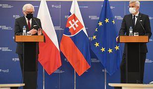 Słowacja. Ministrowie spraw zagranicznych RP Jacek Czaputowicz (L) oraz Republiki Słowacji Ivan Korcok (P)