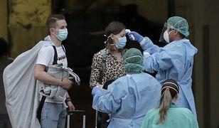 Koronawirus w Hiszpanii. Uwięzieni turyści zaczynają opuszczać hotel na Teneryfie
