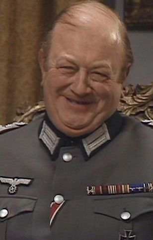 Richard Marner: był Brytyjczykiem rosyjskiego pochodzenia. Karierę zrobił, grając Niemca