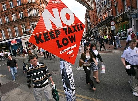 Oficjalne wyniki z Irlandii: 53,4% przeciw Traktatowi