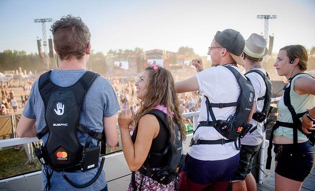 Dawny Woodstock pochwalił się po fakcie. Oto plecak, który sprawił, że głusi poczuli muzykę