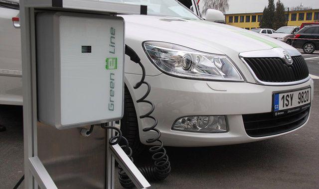 Kraje UE chcą same ustalać liczbę punktów ładowania aut elektrycznych