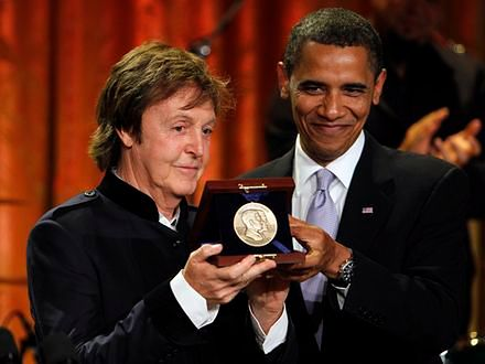 Prezydent wręczył nagrodę ex-Beatlesowi