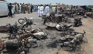 Eksplozja cysterny w Pakistanie. Nie żyje 135 osób. Ludzie spłonęli żywcem