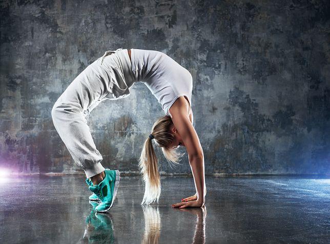 Hip hop jest trudnym tańcem pod względem technicznym. Wymaga dużego poczucia rytmu.