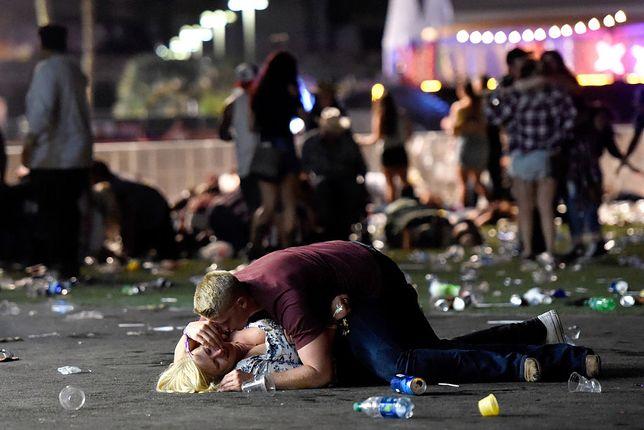 Chronił ją przed kulami. Jedno zdjęcie zrobione w Las Vegas przejdzie do historii
