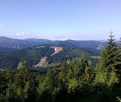 Widok z jednego ze szczytów Parku Krajobrazowego Beskidu Śląskiego