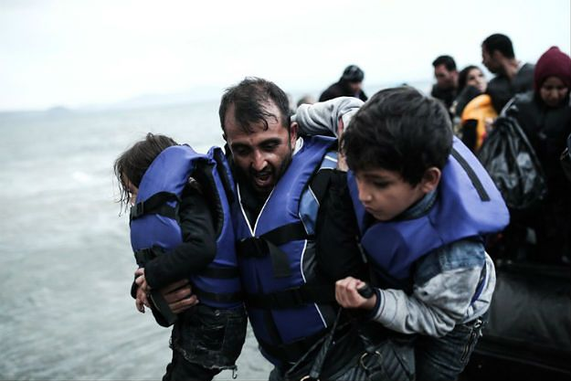 Turcja: ponton z migrantami zderzył się z promem, co najmniej 13 ofiar