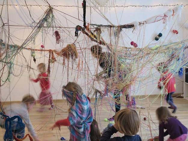 Podczas sobotniego festynu w parku Wilsona dzieci i dorośli stworzą wspólnie ogromną pajęczynę.