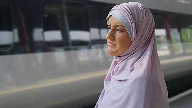 """""""Masz zamiar nas wysadzić?"""". Na tydzień została muzułmanką"""