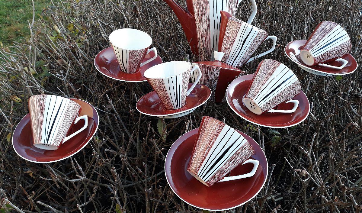 Piotr Marzec kolekcjonuje wyłącznie chodzieską porcelanę
