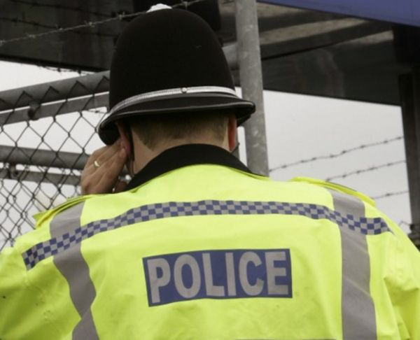 Irlandia Północna: policja uratowała 20 osób, zapewne ofiar handlu ludźmi