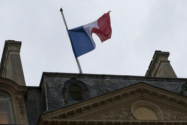 """Włoska prasa o ataku na tygodnik """"Charlie Hebdo"""": 11 września Paryża, Francji, Europy"""