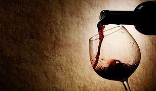 Wino Zmarłych daje radość żywym