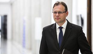 Poseł PiS pisze o sprawach sądowych wobec opozycji. Tylko straszy czy ma jakieś informacje?