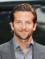 Bradley Cooper walczy o żonę zamiast Marka Wahlberga