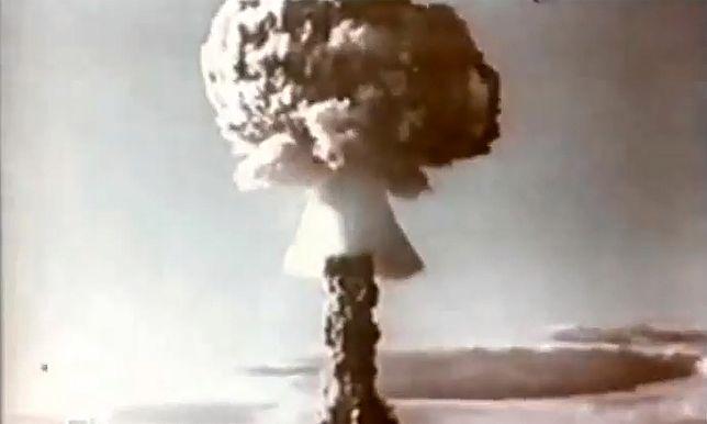 Nad miejscem katastrofy wzniósł się słup dymu na kształt grzyba atomowego widziany z odległości 100 km