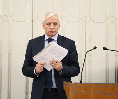 Wojewoda Jarosław Obremski unieważnił uchwałę radnych Wałbrzycha
