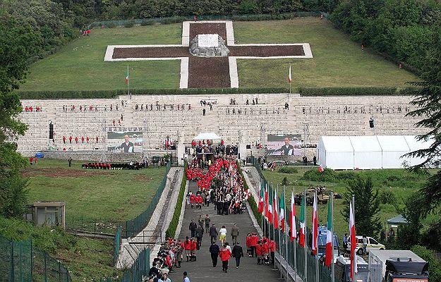 """""""Świąteczny jarmark"""" na Monte Cassino. MSZ: podjęliśmy już działania, to niedopuszczalne"""