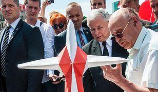 Kaczyński chce, by dwa pomniki smoleńskie stanęły w Warszawie przed ostatnią, 96 miesięcznicą