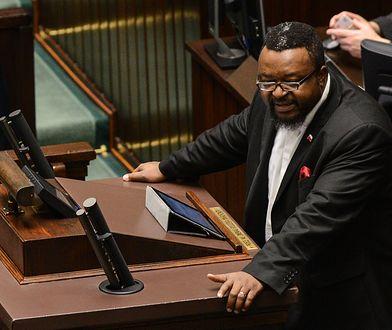 Wybory parlamentarne. John Godson na sali sejmowej