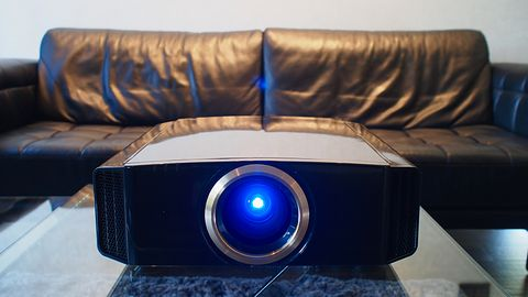 Projektor JVC DLA-RS540 – dla prawdziwych maniaków kina domowego