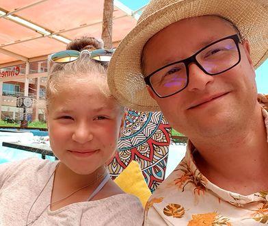 Julia i jej ojciec, ksiądz Wojciech