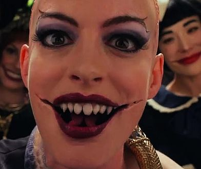Anne Hathaway jakiej nie widzieliście. Aż się włos jeży