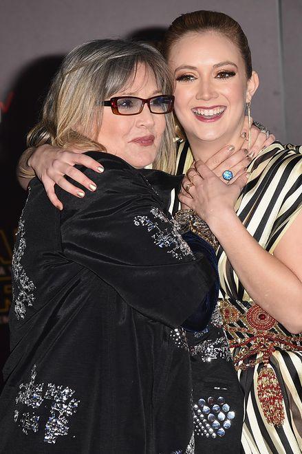 """Carrie Fisher i Billie Lourd podczas premiery filmu """"Gwiezdne wojny: Przebudzenie Mocy"""", Hollywood, grudzień 2015"""