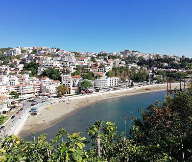 Czarnogórskie wybrzeże jak Monte Carlo i Hawaje razem wzięte. Mało kto je zna