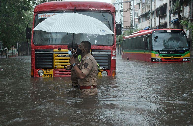 Śmiercionośny cyklon w Indiach. Setki tysięcy osób ewakuowanych