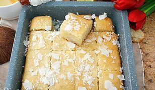 Arabskie ciasto z kaszy manny i wiórków kokosowych