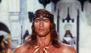 Arnold Schwarzenegger znów bliźniakiem, Terminatorem i Conanem